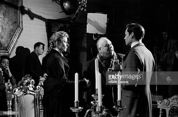 Shooting Of The Film 'elena Et Les Hommes' By Jean Renoir BoulogneBillancourt 31 décembre 1955 Dans un studio de cinéma lors du tournage du film...