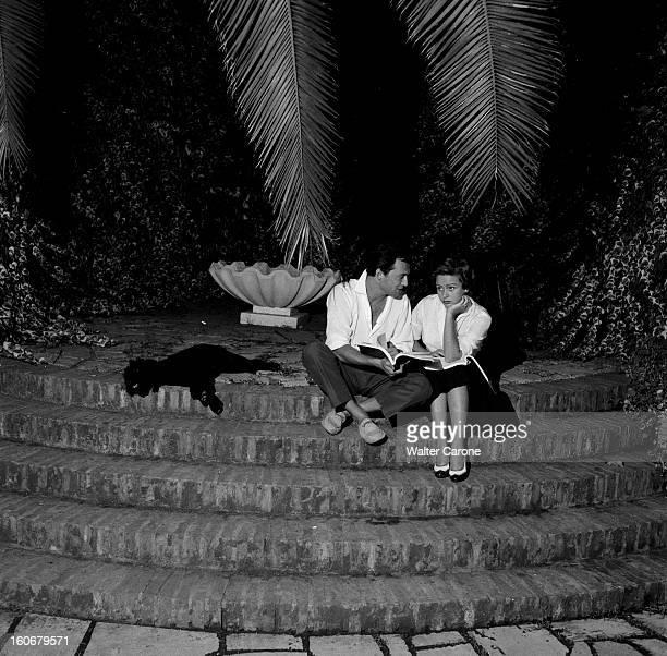 Shooting Of The Film 'jean Cotton' By Marc Allegret 1954 A l'occasion du tournage du film de Marc ALLEGRET 'Jean Coton' portraits des acteurs Scène...