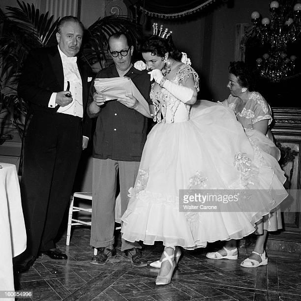 Shooting Of The Film 'la Belle Otero' By Richard Pottier En France en 1954 sur le tournage du film 'La belle Otero' de gauche à droite Louis SEIGNER...