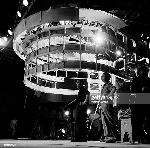 Shooting Of The Film 'la Belle Otero' By Richard Pottier En France en 1954 sur le tournage du film 'La belle Otero' de Richard POTTIER réalisateur...