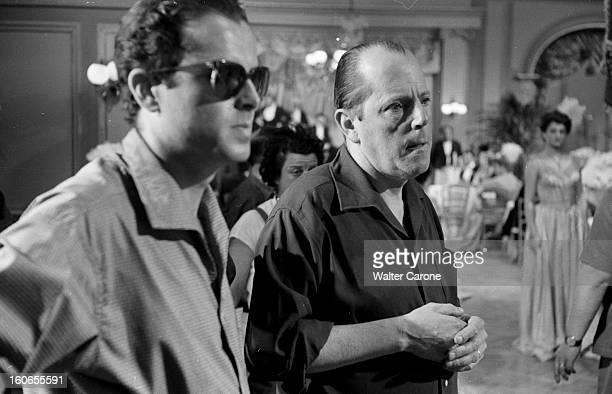 Shooting Of The Film 'la Belle Otero' By Richard Pottier En France en 1954 sur le tournage du film 'La belle Otero' une personne non identifiée et...