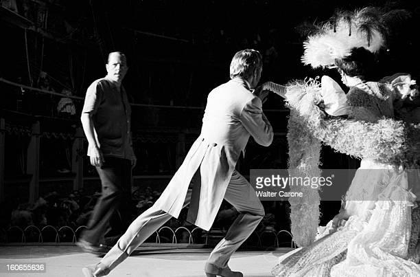 Shooting Of The Film 'la Belle Otero' By Richard Pottier En France en 1954 sur le tournage du film 'La belle Otero' Jacques BERTHIER acteur dansant...