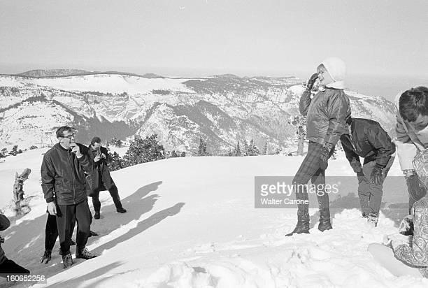 Shooting Of The Film 'la Bride Sur Le Cou' By Roger Vadim En France le 12 février 1961 lors du tournage du film 'La Bride sur le cou' de Roger VADIM...