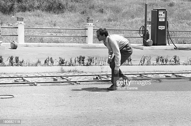 Shooting Of The Film 'le Mepris' By Jeanluc Godard Italie mai 1963 Sur le tournage du film 'Le Mépris' du réalisateur JeanLuc GODARD JeanLuc GODARD...