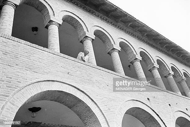 Shooting Of The Film 'Les Fetes Galantes' By Rene Clair En 1966 en Roumanie à BUFTEA dans le cadre du tournage de son film 'LES FETES GALANTES' le...