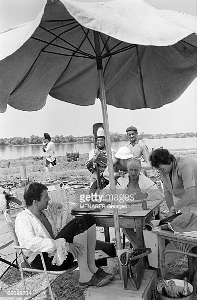 Shooting Of The Film 'Les Fetes Galantes' By Rene Clair En 1966 en Roumanie dans les studios de cinema de BUFTEA dans le cadre du tournage de son...