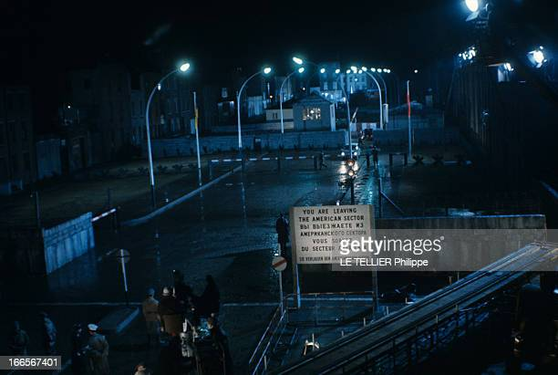 Lampadaires Rue Nuit Stock Photos And Pictures Getty Images