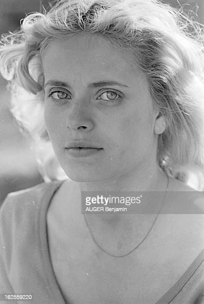 Shooting Of The Film 'L'Hotel De La Plage' By Michel Lang Tournage du film 'L'HOTEL DE LA PLAGE' de Michel Lang à Locquirec septembre 1977 avec Marie...