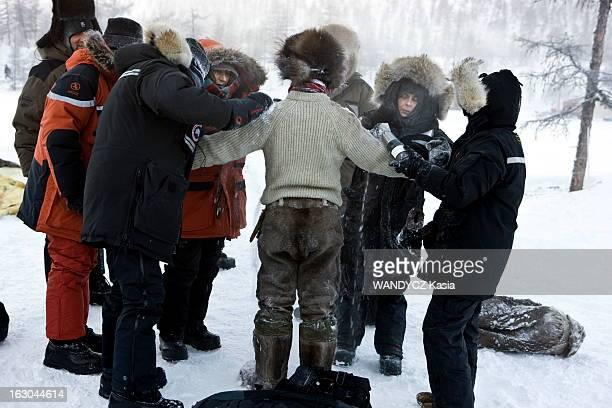 Shooting Of The Film 'Loup' By Nicolas Vanier Tournage du film de Nicolas Vanier 'Loup' en Sibérie dans les monts de Verkhoïansk Nicolas BRIOUDES qui...
