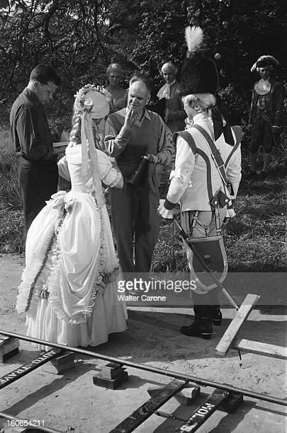Shooting Of The Film 'marieantoinette Reine De France' By Jean Delannoy Tournage du film 'MarieAntoinette' de Jean DELANNOY le réalisateur dirigeant...