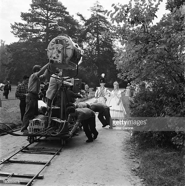 Shooting Of The Film 'marieantoinette Reine De France' By Jean Delannoy Tournage du film 'MarieAntoinette' de Jean DELANNOY l'équipe technique...