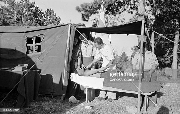 Shooting Of The Film 'Napoleon' By Sacha Guitry 1954 Lors du tournage du film NAPOLEON de Sacha Guitry une reconstitution de bataille de l'empereur...