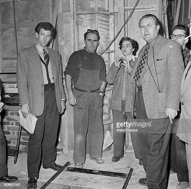 Shooting Of The Film 'olivia' By Jacqueline Audry Tournage du film 'OLIVIA' réalisé par Jacqueline AUDRY novembre 1950 la réalisatrice avec des...