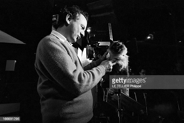 Shooting Of The Film 'Quoi De Neuf Pussy Cat' By Clive Donner France Paris janvier 1965 Tournage du film 'Quoi de neuf Pussy Cat' du réalisateur...