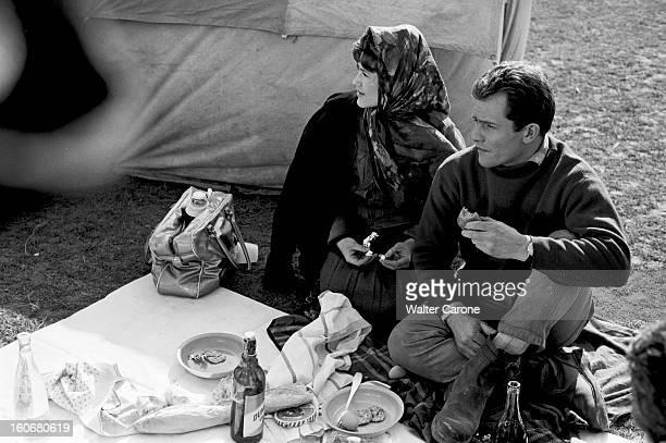 Shooting Of The Film 'surface Perdue' By Dolores Grassian. En France, le 11 novembre 1965, lors du tournage du film 'Surface Perdue' de Dolorès...