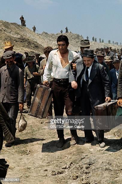 Shooting Of The Film 'the 25th Hour' By Henri Verneuil Tournage de la scène qui relate la livraison d'Anthony QUINN comme « travailleur volontaire »...