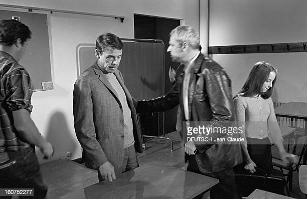 Shooting Of The Film 'the Risk Of Business' By Andre Cayatte France Eure Ecquevilly 8 Juin 1967 Lors du tournage du film 'LES RISQUES DU METIER'...