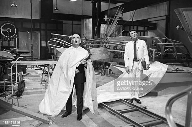 Shooting Of The Film'Le Petit Baigneur' By Robert Dhery. France, novembre 1967, lors du tournage du film 'Le Petit Baigneur' du réalisateur Robert...