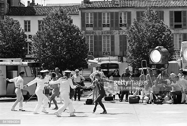 shooting of the movie Les Demoiselles de Rochefort the film director Jacques Demy on the place Colbert in Rochefort with the choreographer Norman...