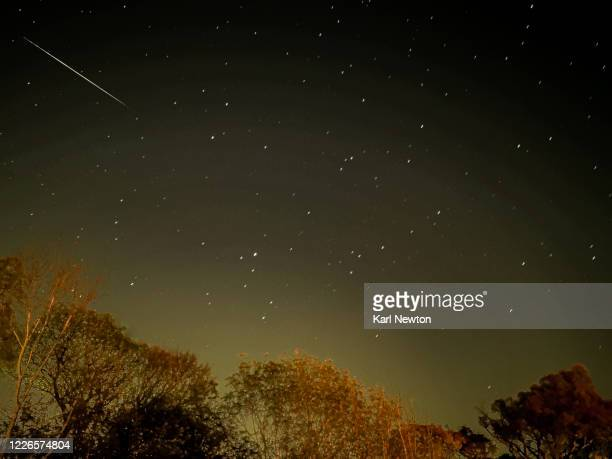 shooting star - meteor stock pictures, royalty-free photos & images