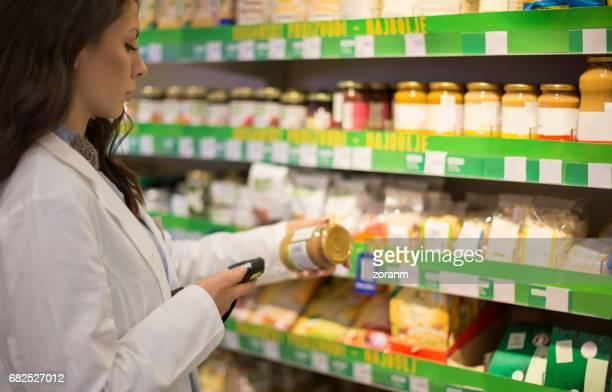 Shop assistant using bar code