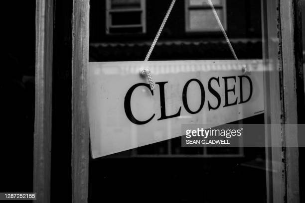 shop closed sign - temporary stock pictures, royalty-free photos & images