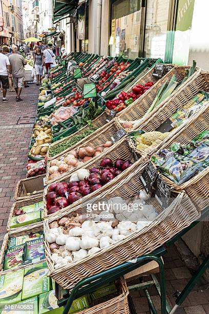 Shop of fruits and vegetables in Bandol