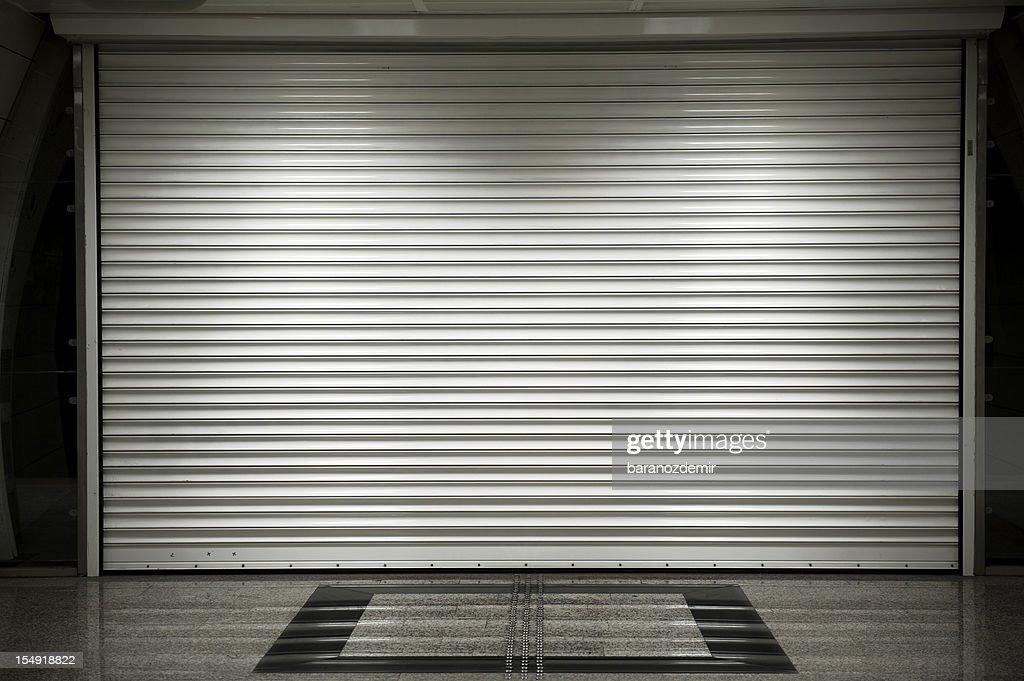 Loja shutters : Foto de stock