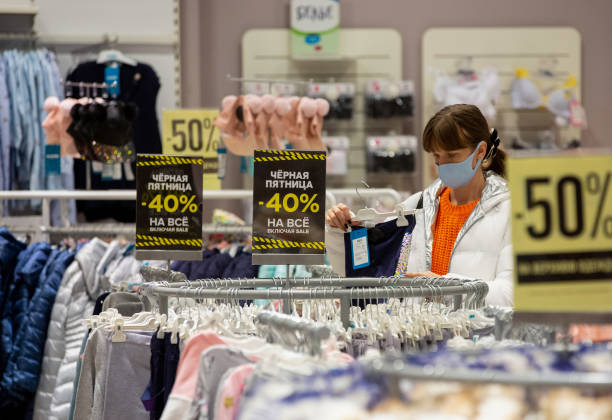 RUS: Black Friday Retail At Russia's Largest Shopping Mall