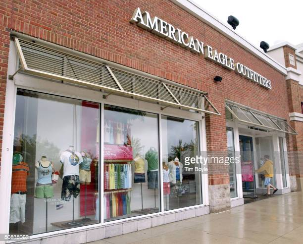 Shopper enters an American Eagle Outfitters clothing store May 14, 2004 in Deer Park, Illinois. American Eagle Outfitters reported a record 292...