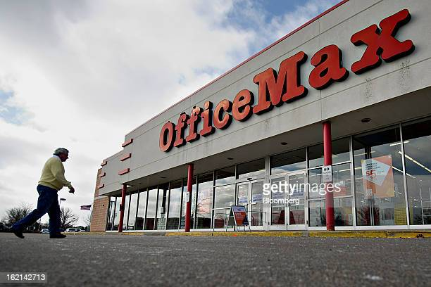 Shopper enters an OfficeMax Inc. Store in Peoria, Illinois, U.S., on Tuesday, Feb. 19, 2013. Office Depot Inc. And OfficeMax Inc. Are discussing a...