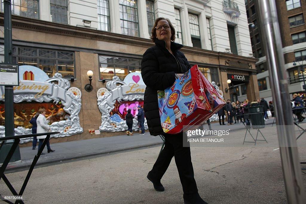 US-ECONOMY-RETAIL-BLACKFRIDAY : News Photo