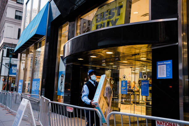 NY: New Yorkers Shop For Black Friday Deals