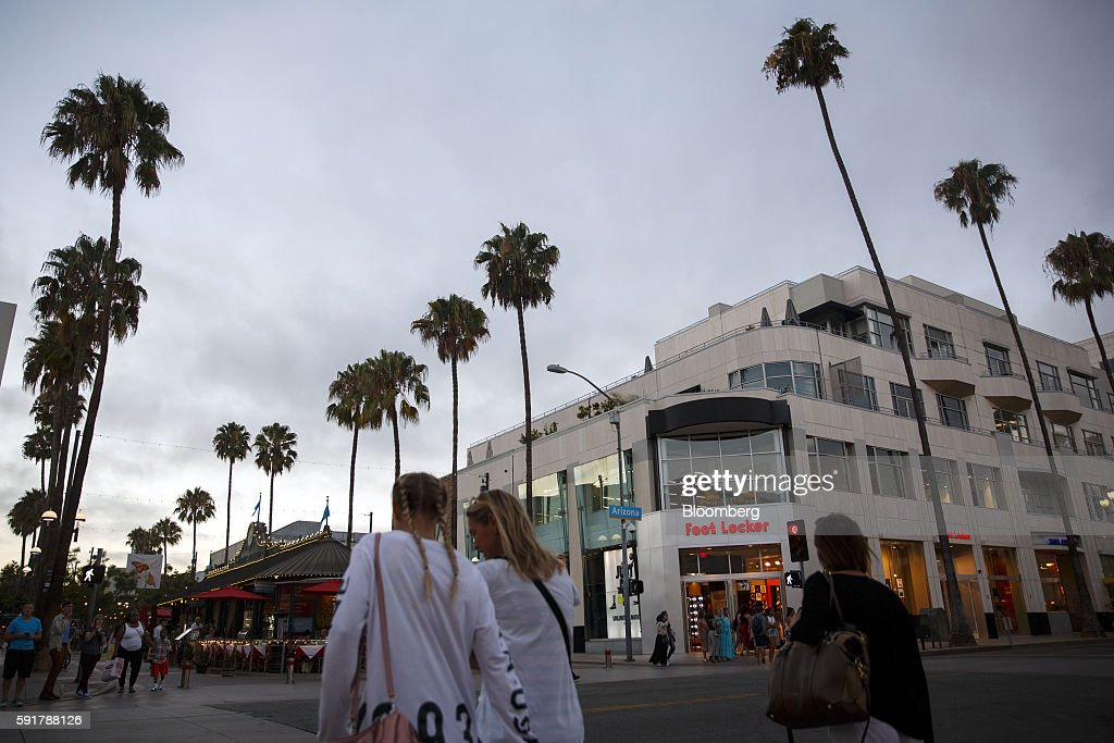 「Promenade santamonica Foot locker」の画像検索結果