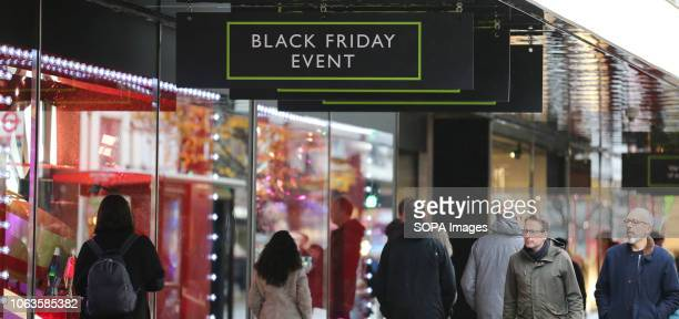 47 Getting Ready For Black Friday In London Photos And Premium High Res Pictures Getty Images