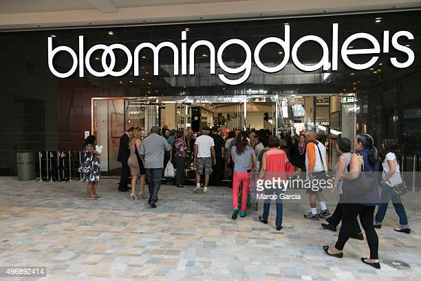 Shoppers arrive at the grand opening of the new Bloomingdale's store at the Ala Mona Center in Honolulu