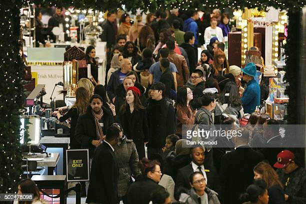 Shoppers arrive to take advantage of the sales in Selfridges Boxing Day sales on December 26 2015 in London England Boxing Day is one of the busiest...