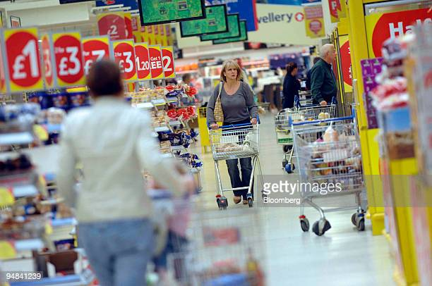57 Carrefour Express Pictures, Photos & Images - Getty Images