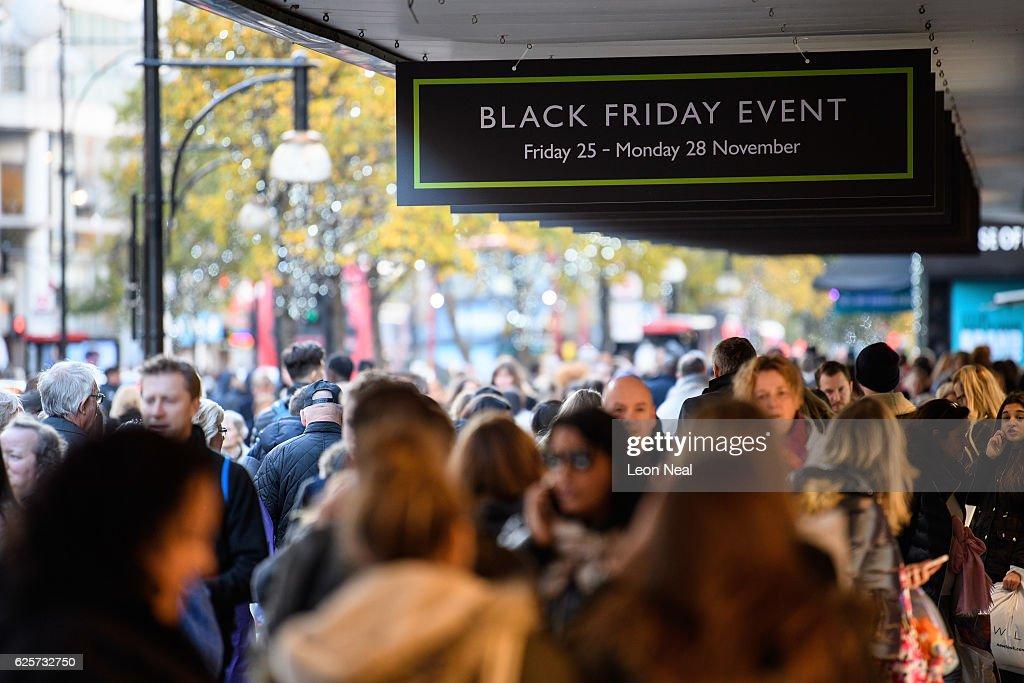 Sales Open On Black Friday : News Photo