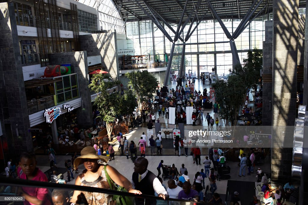 Maponya shopping mall in Soweto, South Africa : News Photo