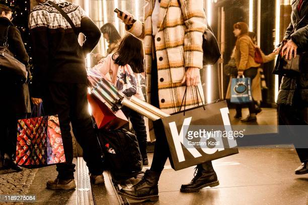 Shoppers leaving the KADEWE department store at the Kurfuerstendamm in the final days before Christmas on December 17, 2019 in Berlin, Germany....