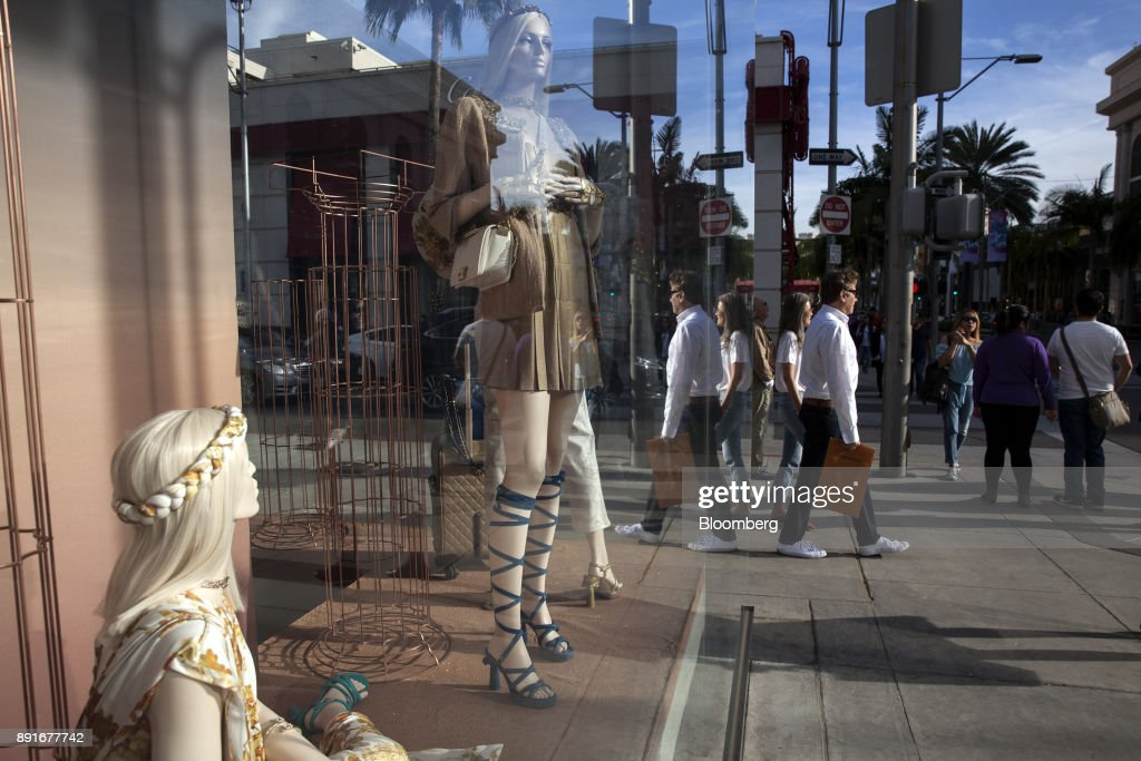 Holiday Shoppers On Rodeo Drive Ahead Of Retail Sales Figures