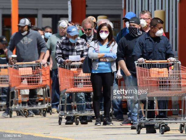 45 805 The Home Depot Photos And Premium High Res Pictures Getty Images