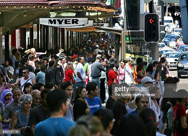 Shoppers still looking for a bargain at 3pm outside the Myer department store on Market Street in Sydney during the Boxing Day sales 26 December 2006...