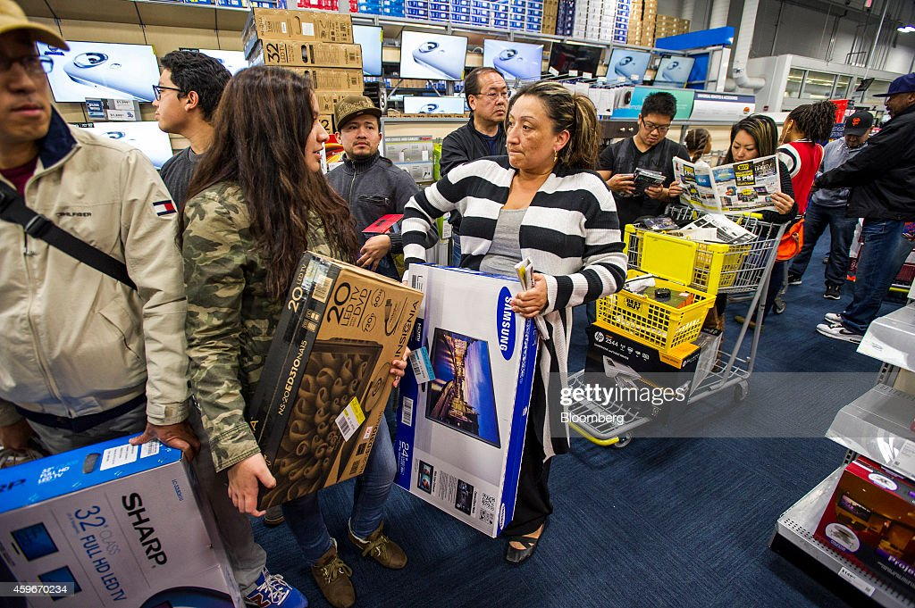 Shoppers Inside A Best Buy Co. Store Ahead Of Black Friday Sales : News Photo