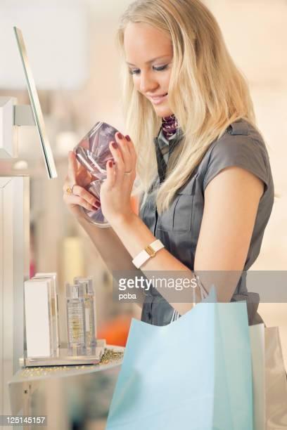shopping und Tierversuche mit Vergnügen