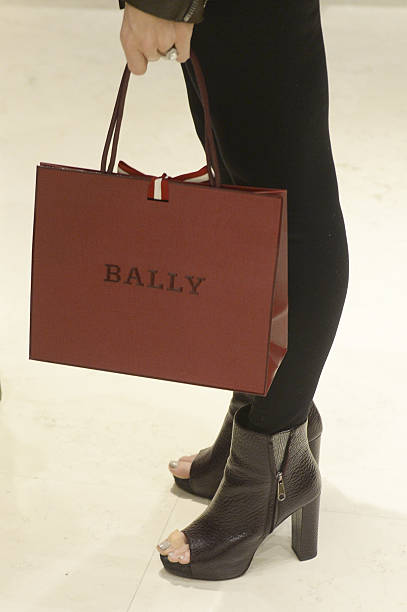 Photos et images de BALLY With Tracy & Alonzo Mourning Host