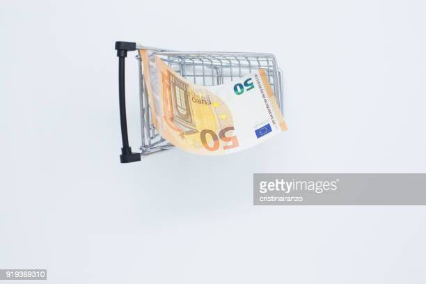 Shopping cart with 50€