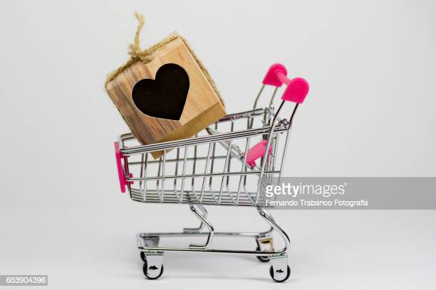 Shopping cart with a gift box