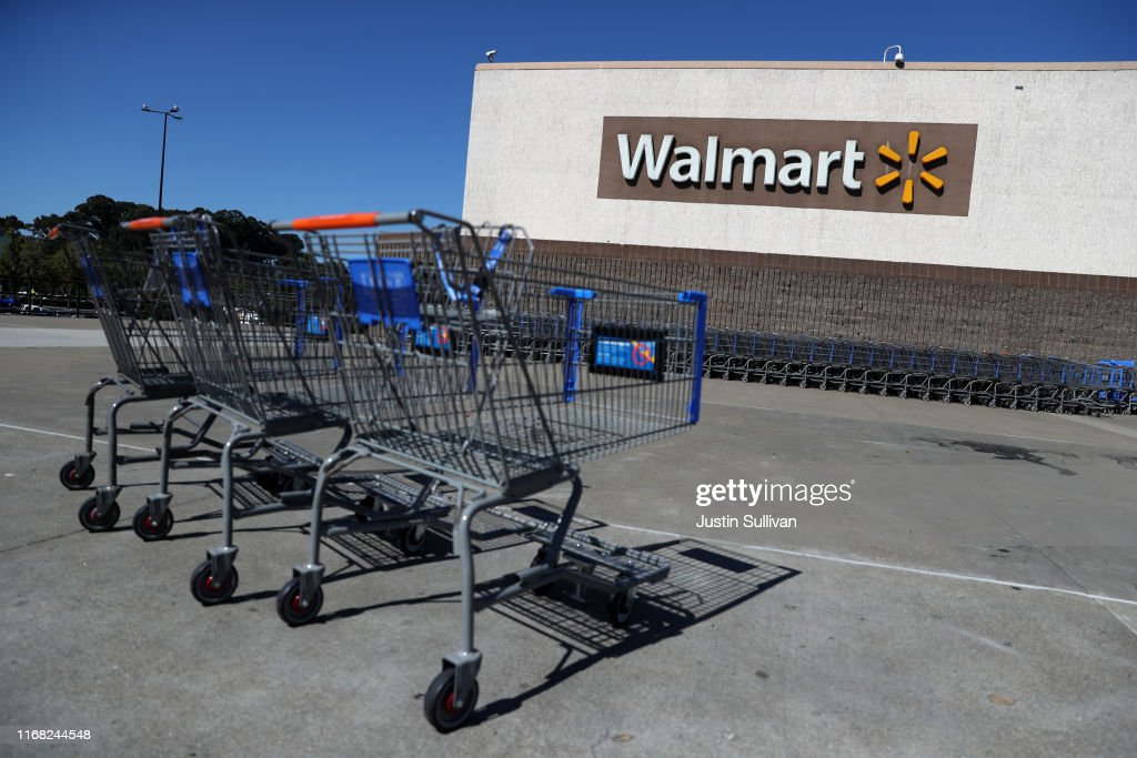 Walmart Earnings Beat Expectations : News Photo